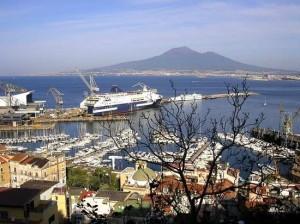 Veduta sul porto da salita Visanola (foto Maurizio Cuomo)