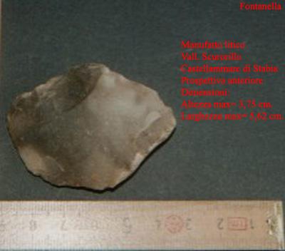 Castellammare di Stabia (Vallone Scurorillo): manufatto litico ritrovato dal dott. F. Fontanella (anno 2004)