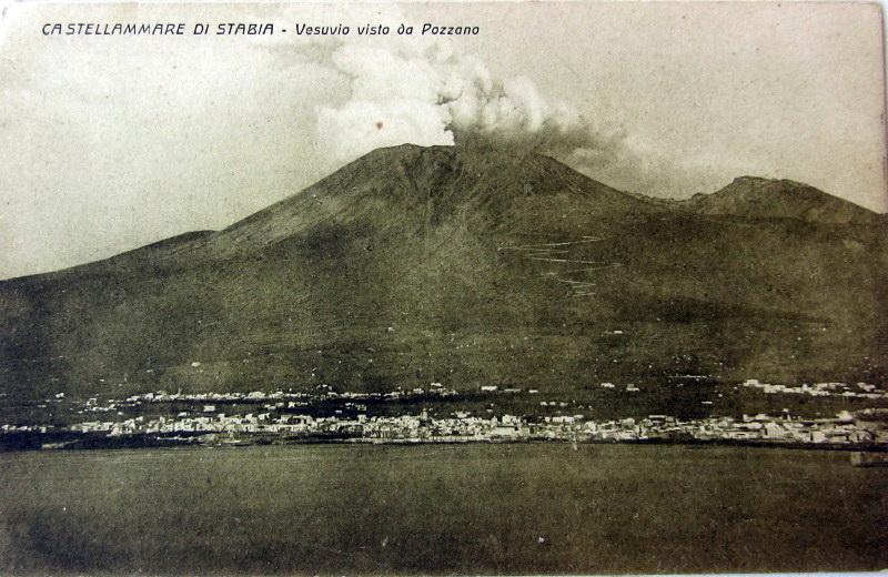Il Vesuvio, il più illustre cittadino della nostra terra, cartolina Giuseppe Zingone