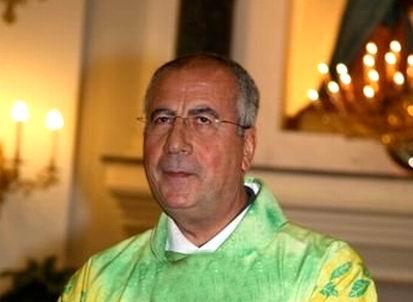 don Michele Di Capua parroco dell'Annunziatella