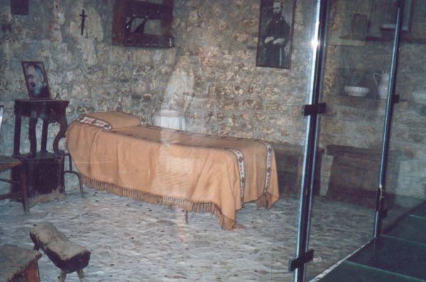 Piana Romana: la stanza di Padre Pio (foto scattata dalla stabiese Ermelinda Donatantonio nel 2004)
