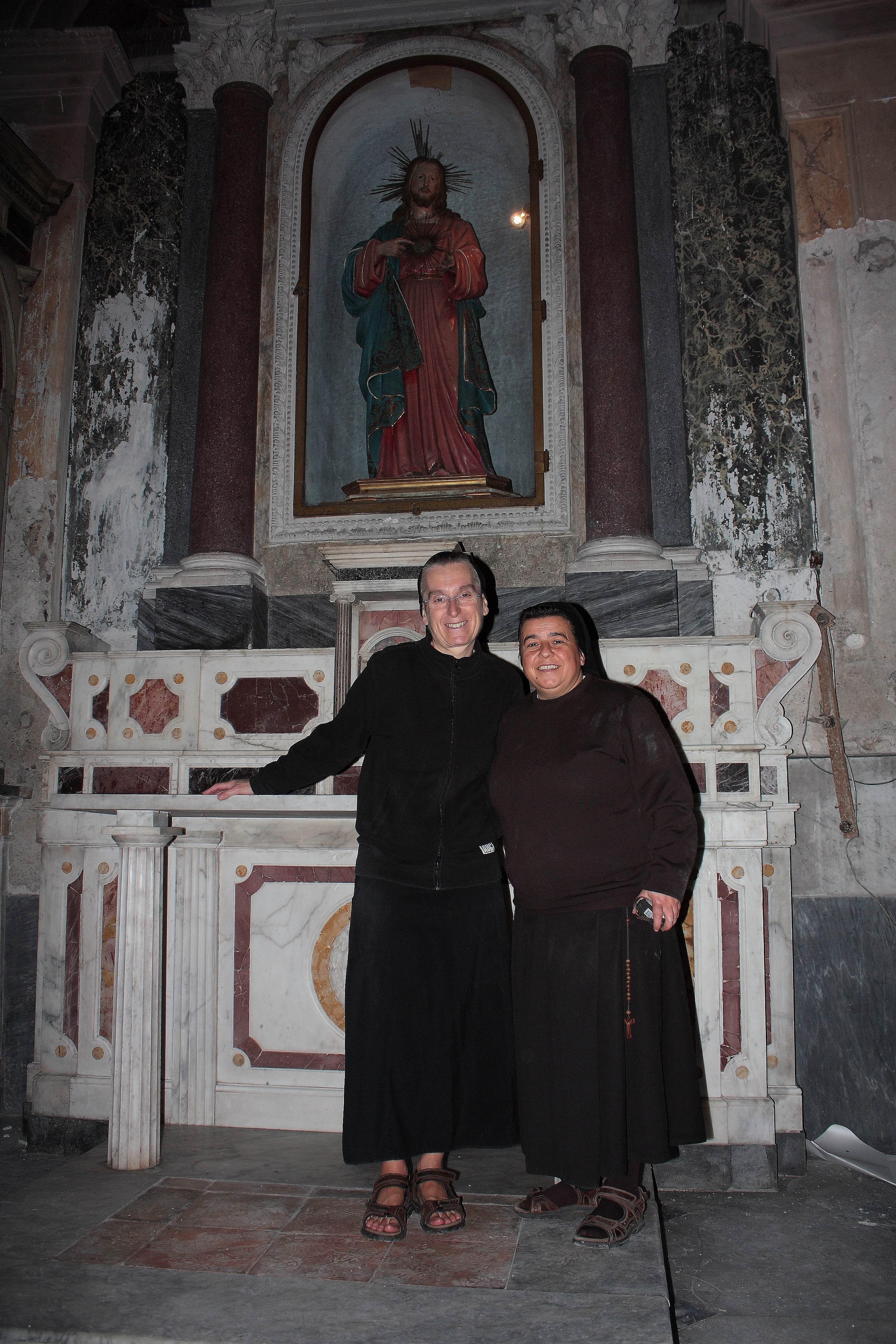 Suor Gabriella e Suor Lucia (foto Maurizio Cuomo)
