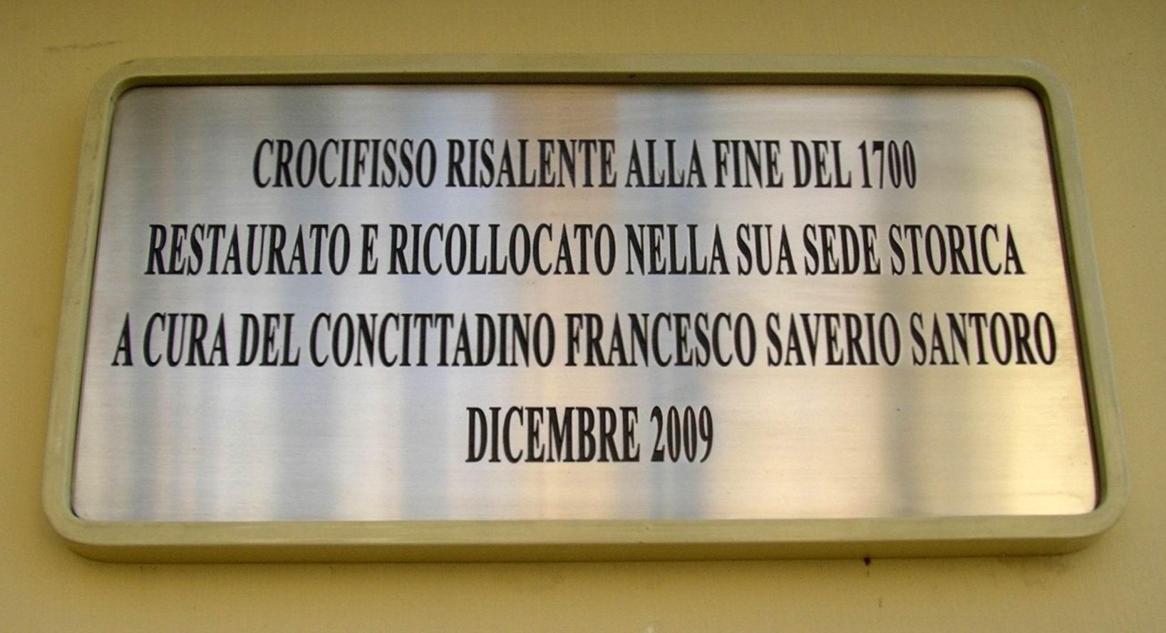 Targa del Crocifisso di Piazza Orologio (foto Maurizio Cuomo)