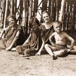 Bagnanti sul lungomare Garibaldi - Anni '30