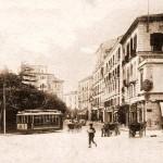 Carrozzelle e tram in via Mazzini
