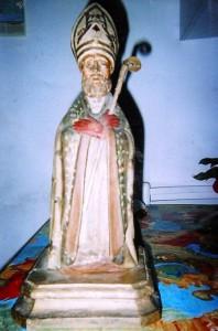 San Catello: statua probabilmente lignea (l'immagine è tratta da una fotografia reperita al mercatino dell'usato).