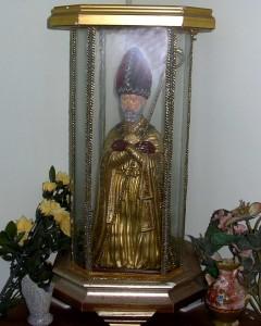 San Catello: statuetta con teca (esposizione privata).