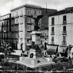cassarmonica_e_piazza_monumento_8