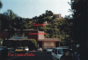 Falesia di Castellammare, vista da P.zza Unità d'Italia