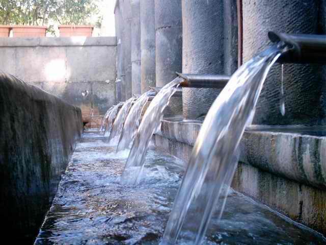 Castellammare, città delle Acque (foto Remigio Russo)