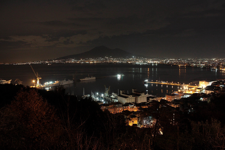 Panorama notturno (foto Maurizio Cuomo)