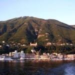 Castellammare dal mare (foto Salvatore Avella).
