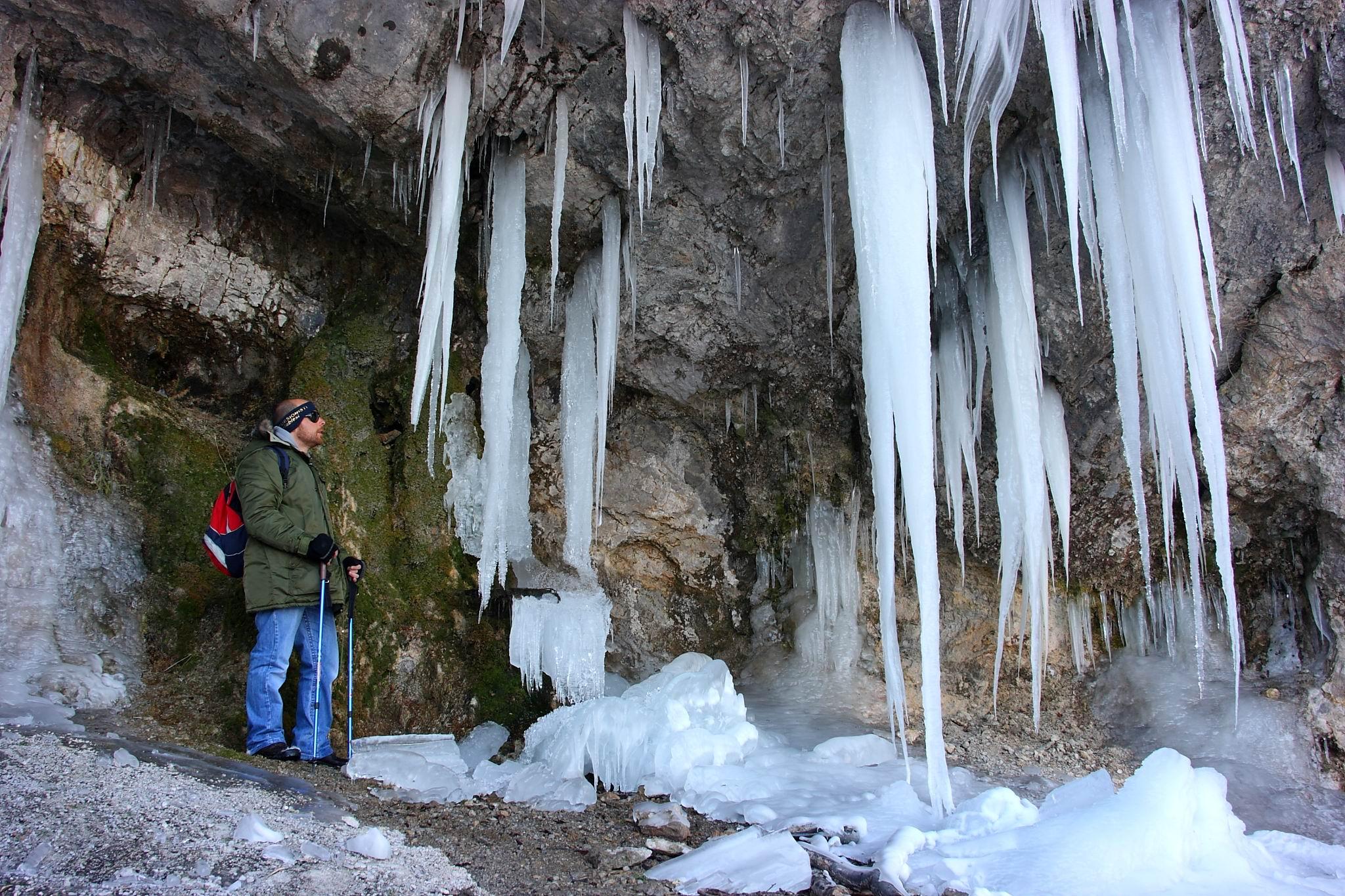 Stalattiti di ghiaccio all'Acquasanta del Faito