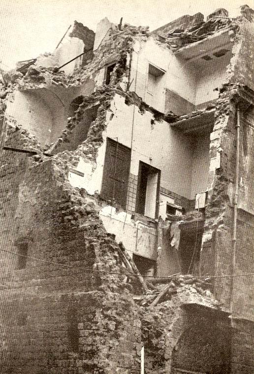 Da 76 immagini del terremoto a Castellammare. di Antonio Colonna e del compianto Lilino Diogene