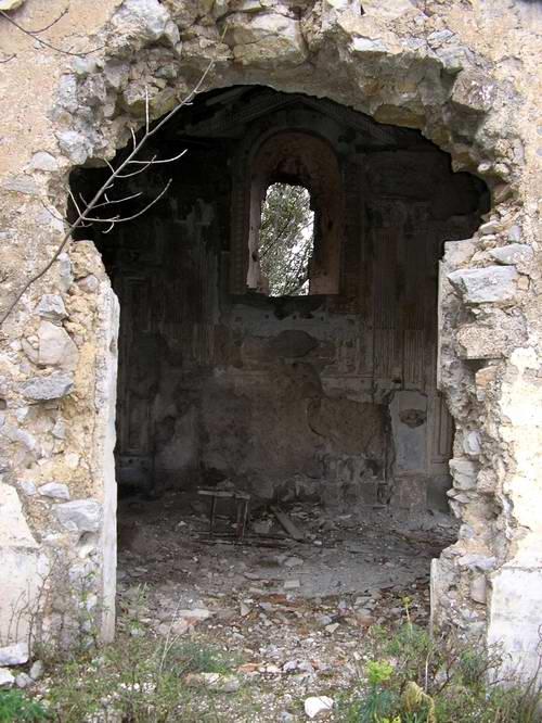 Chiesa di San Raffaele - Lo stato dei luoghi (foto Maurizio Cuomo)