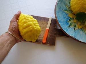"""Procuratevi un """"limone di pane"""" fresco."""