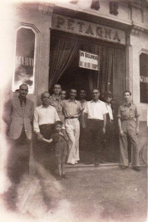 Il Bar Petagna di Castellammare di Stabia (foto d'epoca).