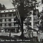 Grand Hotel Monte Faito piazzale d'ingresso