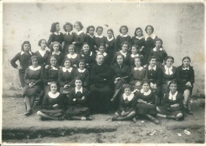 Anno 1939 - Scolaresca (foto gentilmente concessa dalla sig.ra Assunta Carrese).