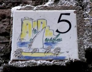 Piastrella n. 5 (foto F. F.)