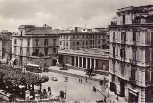 piazza ferrovia 9 fronte