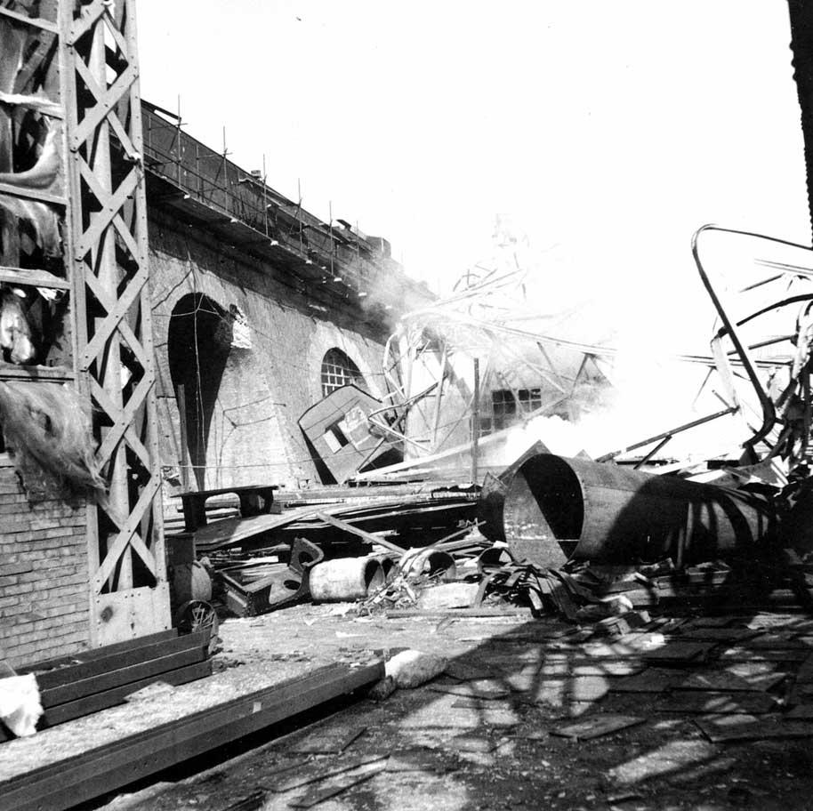 Cantiere navale di Castellammare (altro particolare della distruzione)