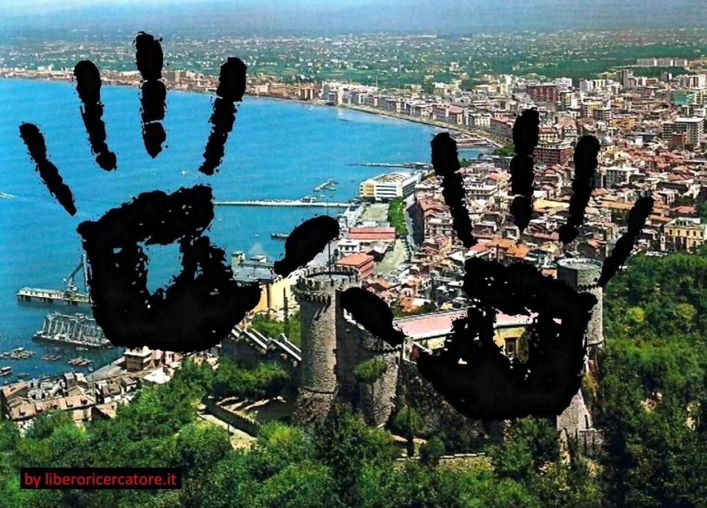 Mani sporche su Castellammare