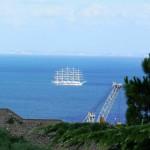 Arriva un veliero nel porto di Stabia