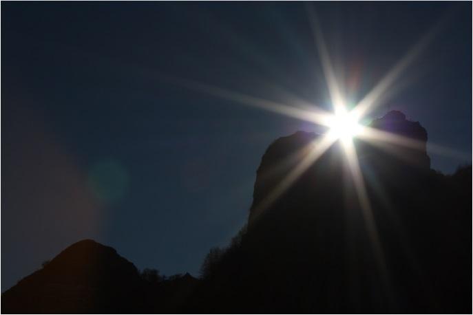 Solstizio d'inverno il sole alla cima del Molare