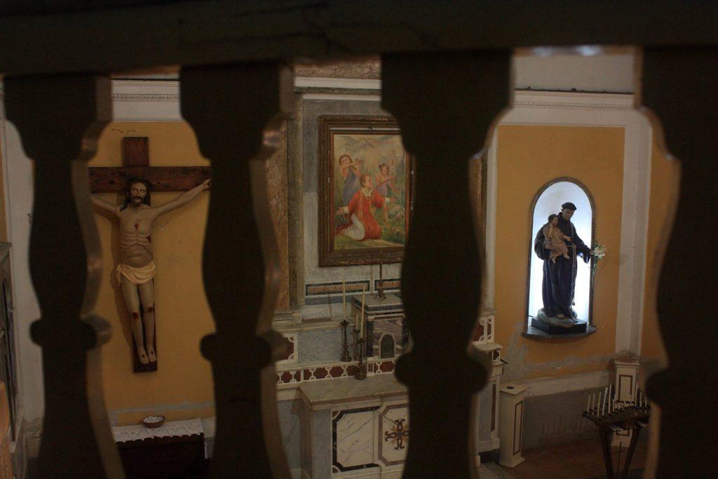 La chiesa di Santo Stefano - interno (foto Maurizio Cuomo)