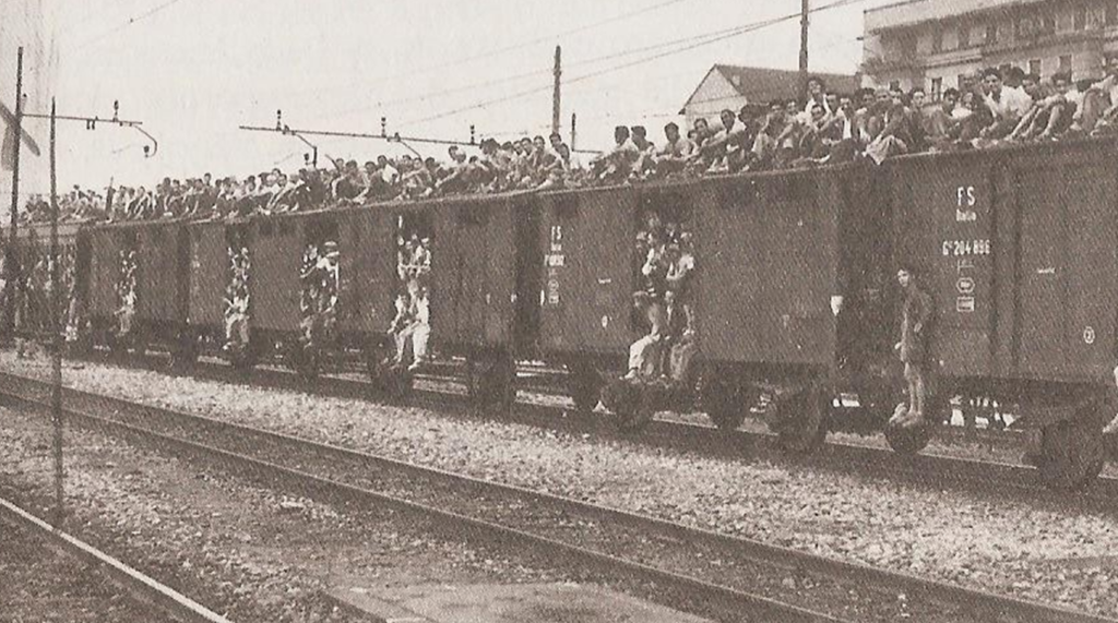 Un treno carico di persone