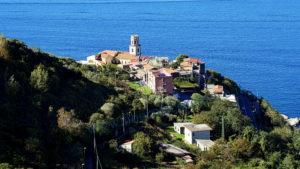 L'antico borgo di Pozzano (foto Corrado Di Martino)