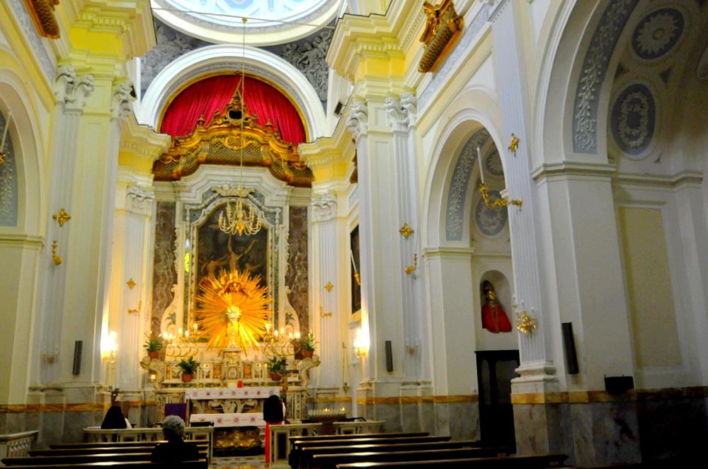 San Bartolomeo ed il busto di San Gennaro, foto Enzo Cesarano