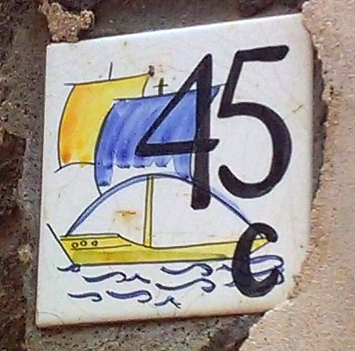 Piastrella 45 c (foto Enzo Cesarano)