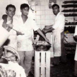 Lavoranti del Gran Caffé Napoli (foto di proprietà di Rosalba Spagnuolo)