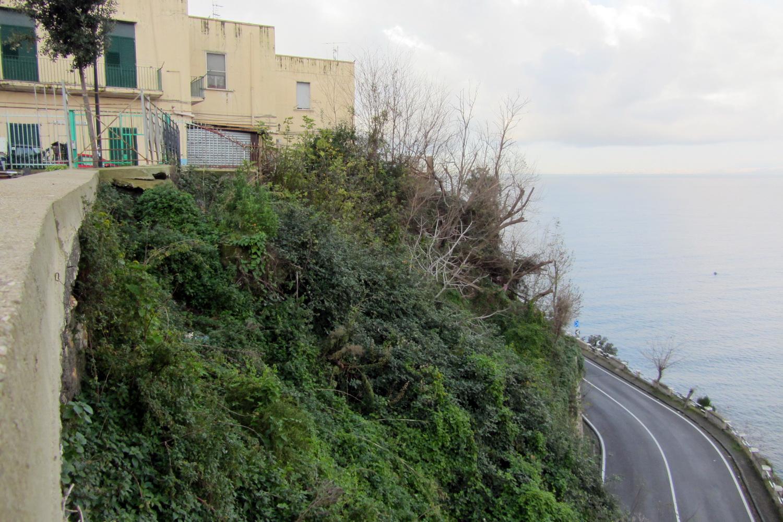 Versante mare collina di Pozzano, foto Giuseppe Zingone