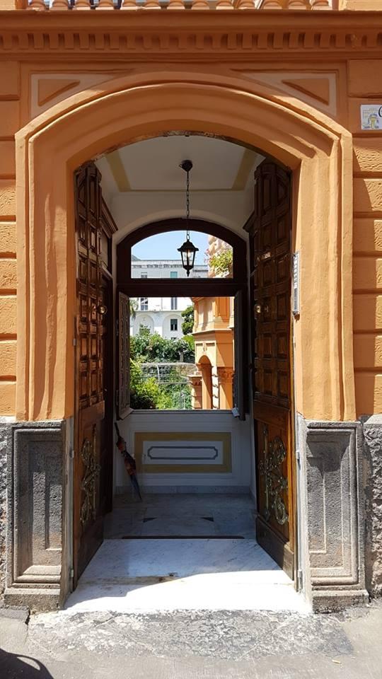 Portone aperto Villa Vollono La villa, in stile Liberty, realizzata nel 1890
