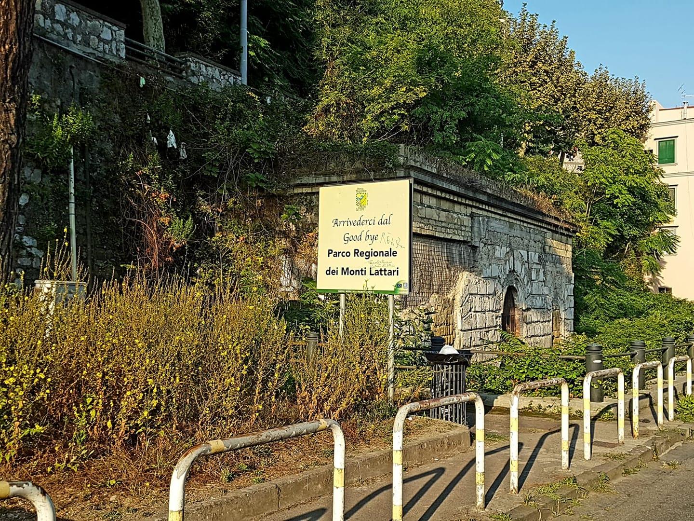 La sorgente dell'Acqua del Muraglione Castellammare di Stabia ... Era, è ancora, tornerà ad essere ?