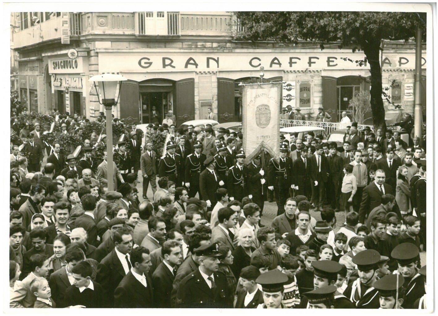 2 novembre 1962 onore ai caduti (foto Luigi Buonocore)