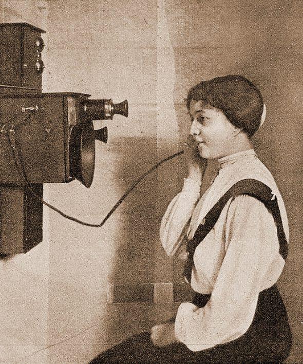 Il telefono (anno 1906)
