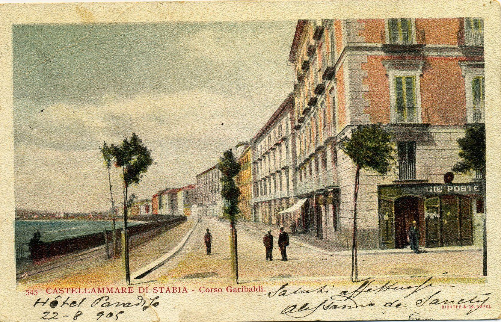 Rege Poste sotto al palazzo Cardone