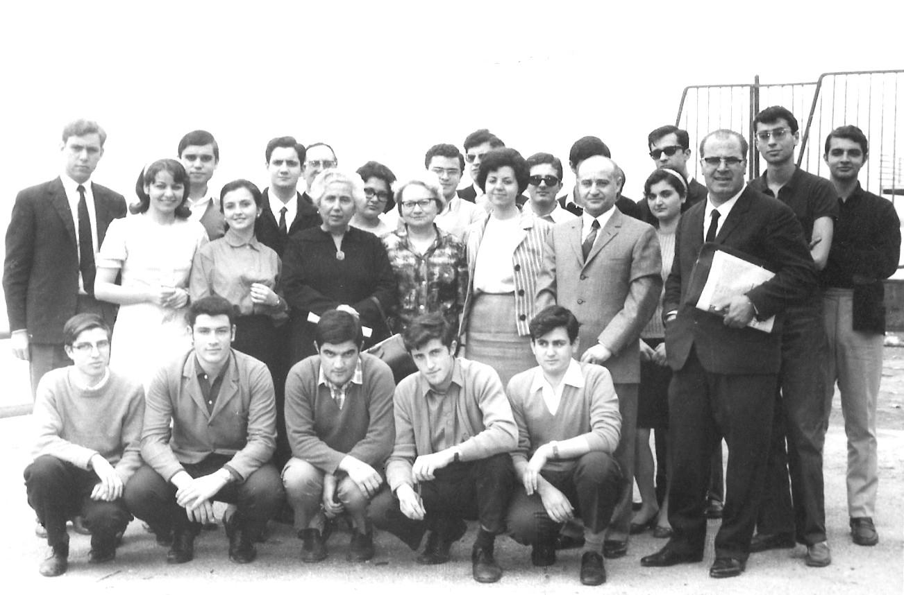 Classe V del Liceo Classico sez. Scientifico, anno scolastico 1966-67 (foto gentilmente concessa dall'ing. Mimmo Furci)