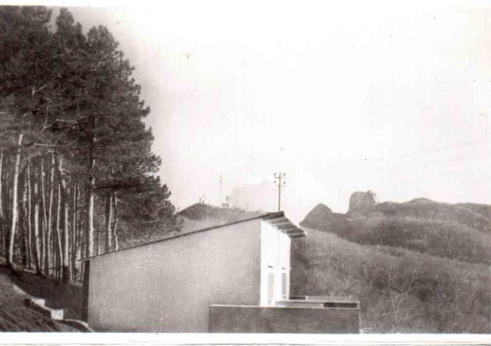 Santuario del S. Michele con antenna della televisione