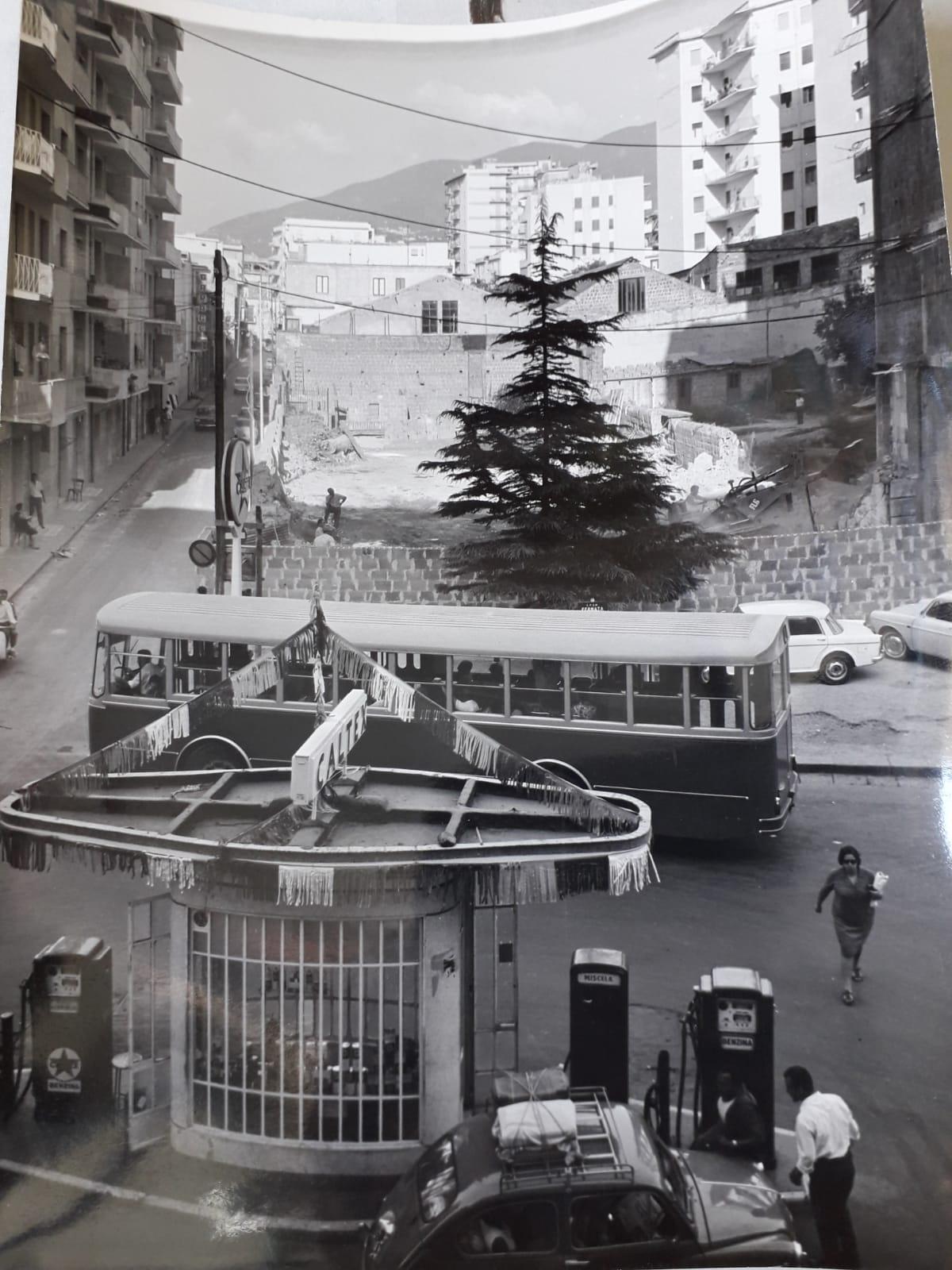 Largo Fusco con palazzo della Standa in costruzione (anni '60). Foto gentilmente concessa dall'amico Salvatore Esposito