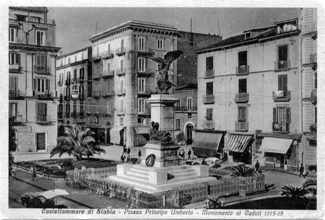 Fig. 2 Da una cartolina d'epoca si nota sullo sfondo a sx