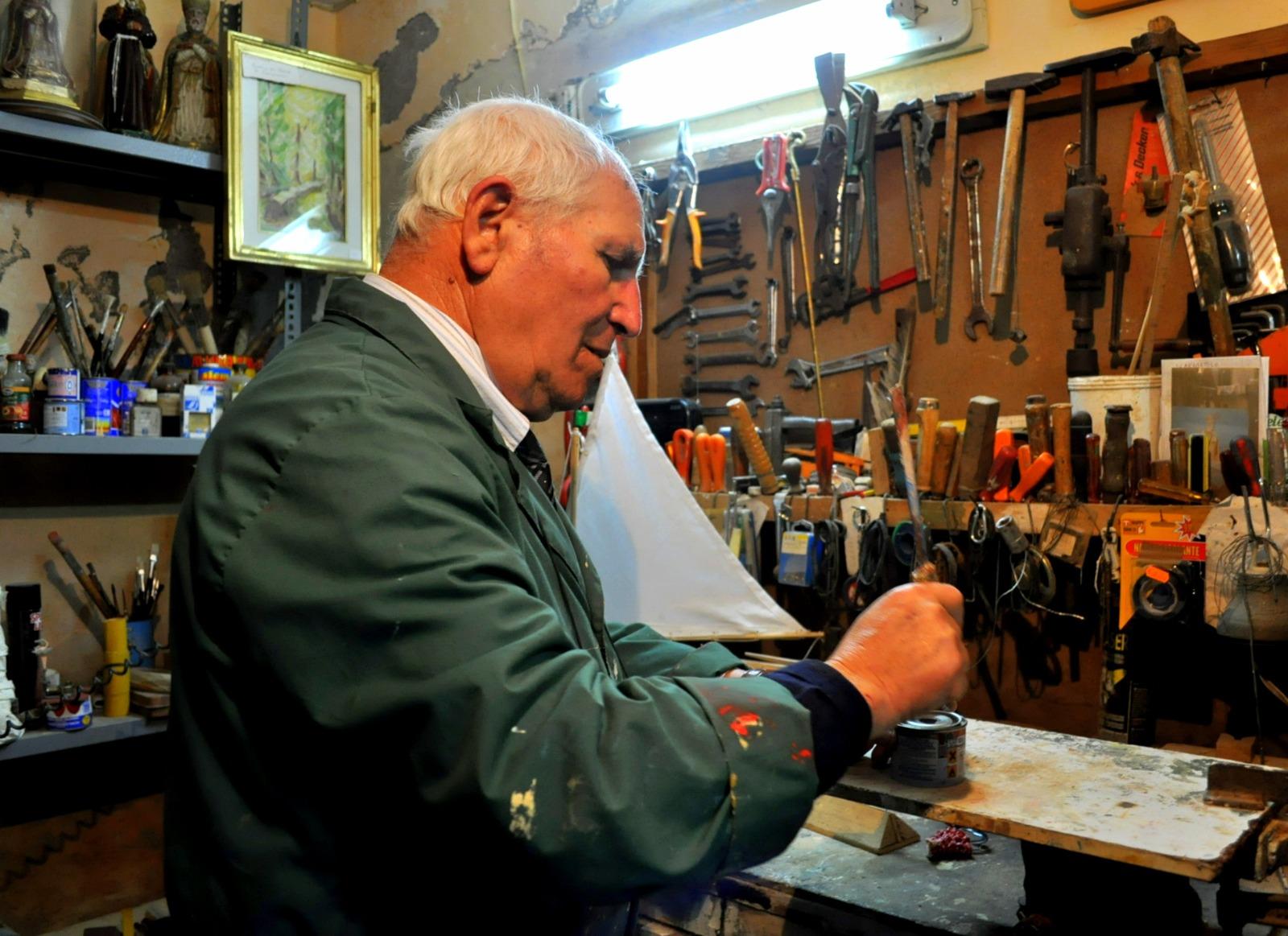 La bottega di don Ciro Alminni (foto Enzo Cesarano)